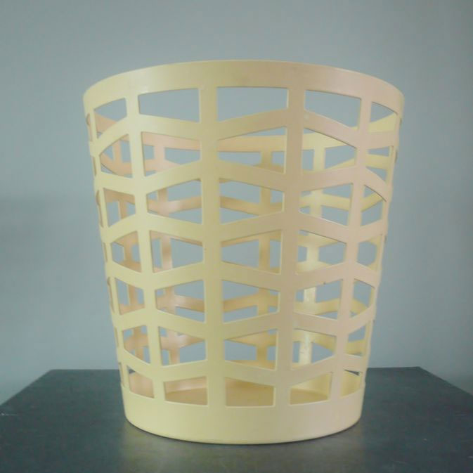 Alessi - Andrea Branzi - Citrus Basket in Steel Cream