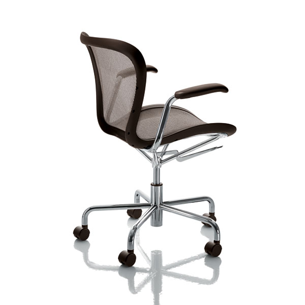 Magis - Annett Swivel Chair with Arms (On Wheels)